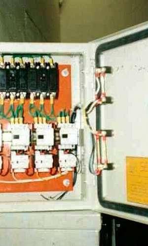 Comando elétrico trifásico